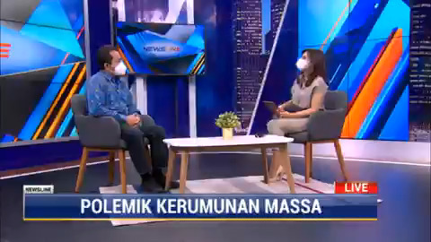 Prof. Agus Surono menjelaskan bahwa tidak ada pelanggaran hukum pada kerumunan yang terjadi di NTT saat kunjungan presiden Jokowi karena tidak ada unsur kesengajaan dan unsur melawan hukum dari peristiwa tersebut.   #NewslineMetroTV #KnowledgeToElevate