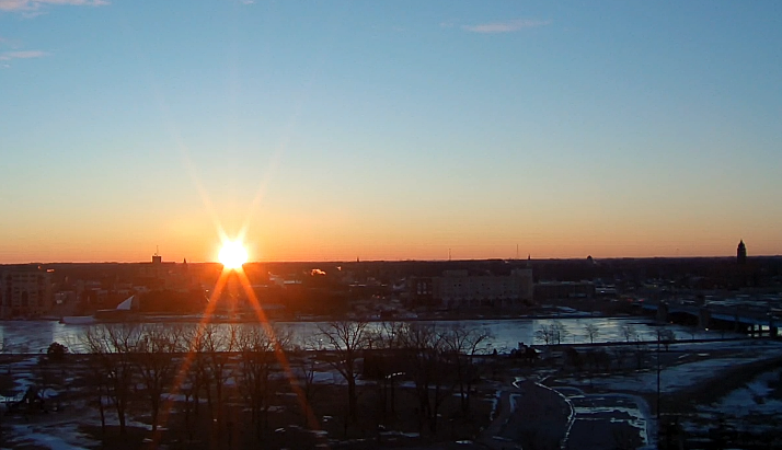 Beautiful #tuesdayvibe happening with this sunrise. Have a great day. @JesiTVNews @midmichigannow