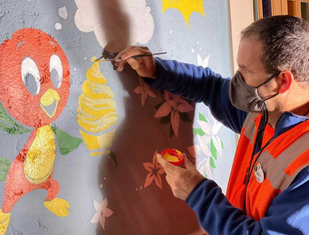🍊New Orange Bird Mural to Debut Today in Magic Kingdom🍊    #WaltDisneyWorld #WDW #DisneyWorld #MagicKingdom