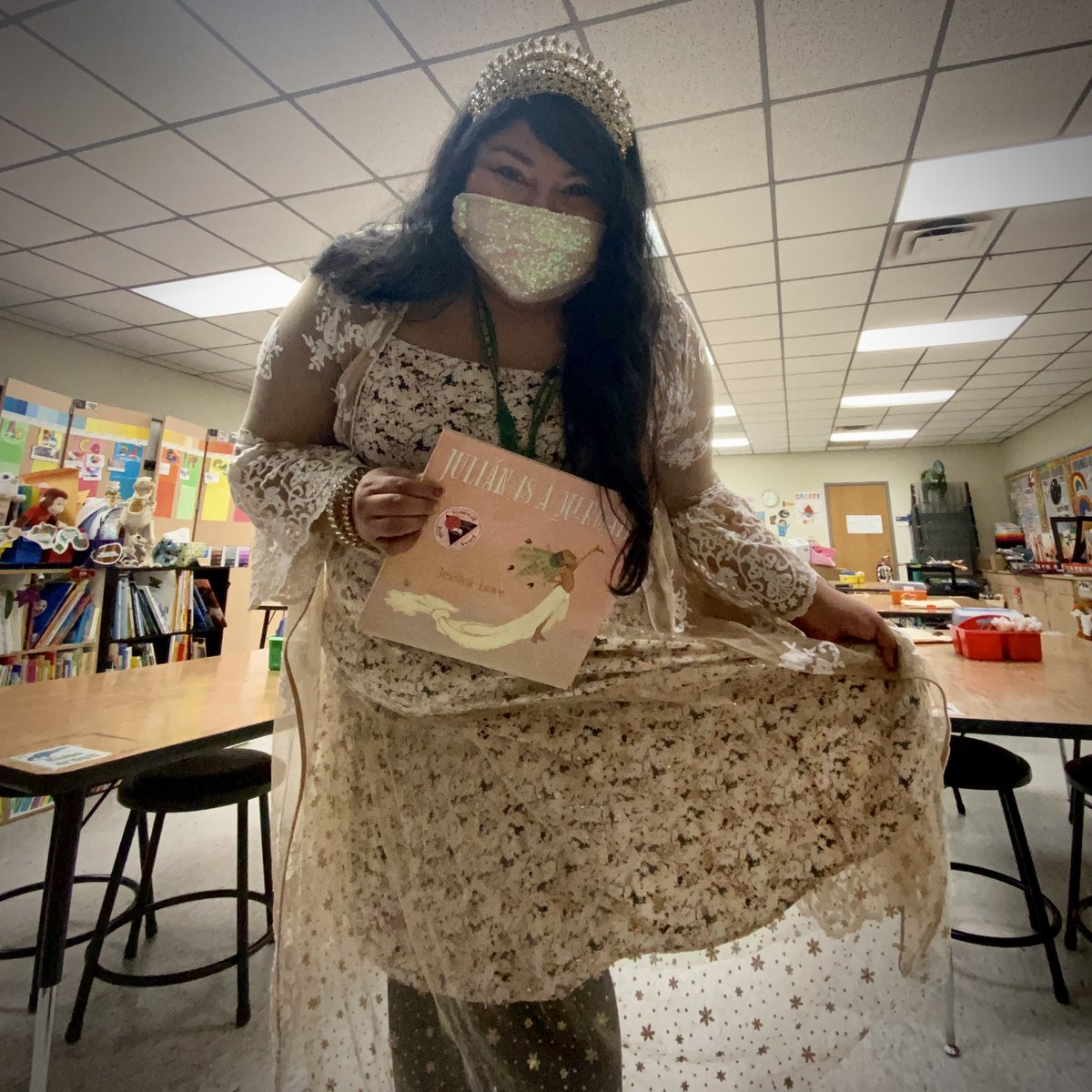 """#ReadAcrossAmericaDay #ReadAcrossAmericaWeek """"celebrate that reading is for sharing. Bring a book to read to a friend. Dress as the character in your fave book."""" Today I am channeling Julián @Candlewick can't wait to share this story with my #artists #aldineart #artteacher"""