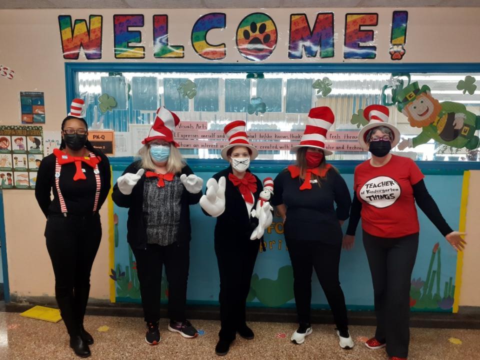 Happy Birthday Dr. Seuss! #ReadAcrossAmericaDay  #DrSeuss  @YonkersSchools @RcollinsJudon @quezada1229