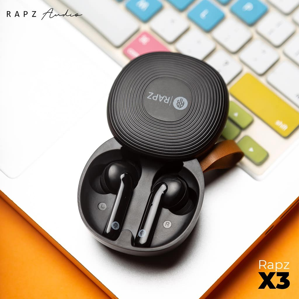 Music to cure the weekday blues.  Music to make your day colourful. . . . . . . #RapzAudio #RapzEarbuds #Tuesday #X3 #Earbuds #WeekStart #TuesdayThoughts #MusicWithRapz