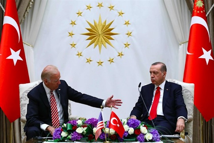 """#American lawmakers have urged President #JoeBiden's administration to consider the """"troubling human rights abuses"""" in #Turkey https://t.co/PkQX9b5X5M https://t.co/p2b9TMoP9y"""