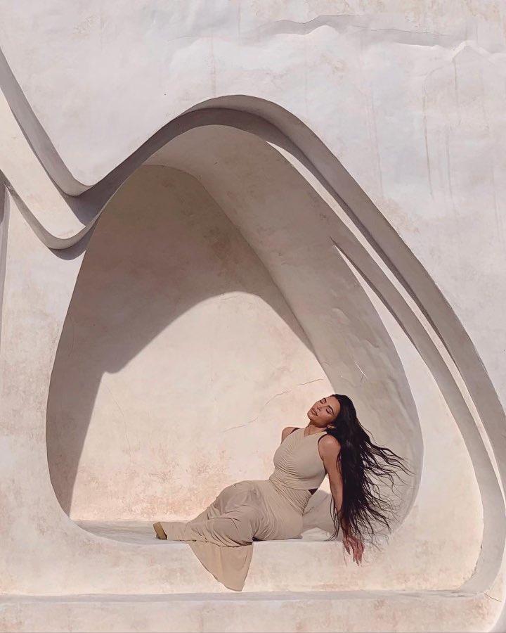 ♾     📸 @amandademme  🖱💿 Michelle Lamy