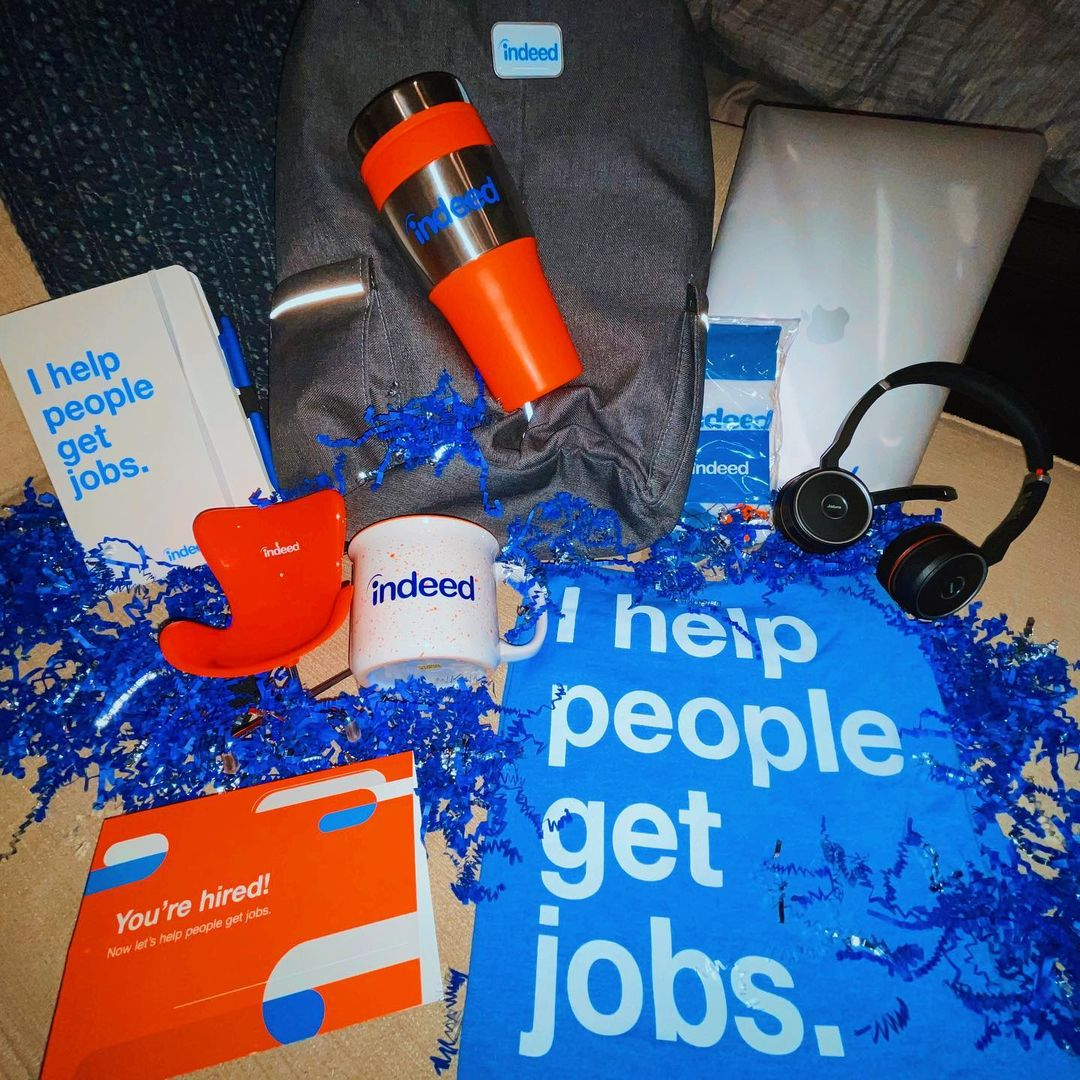 What better way to start a new journey than with a plethora of new #SWAG? 🎉 Our mission #insideindeed is to help ALL people get jobs. Do you want to help people get jobs as well? We're currently hiring and you can find our open roles at  💙