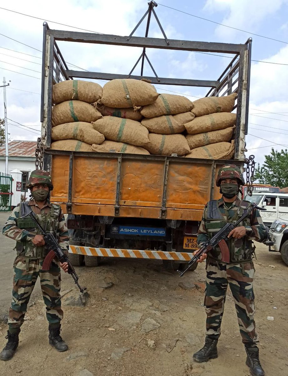 #AssamRifles in a joint operations with Custom Preventive Force in Mizoram intercepted and seized smuggled consignment of illegal Areca Nuts worth approx Rs 50 Lakhs near Rauntlang(Champhai) on 01 Mar. @PIBHomeAffairs @ANI