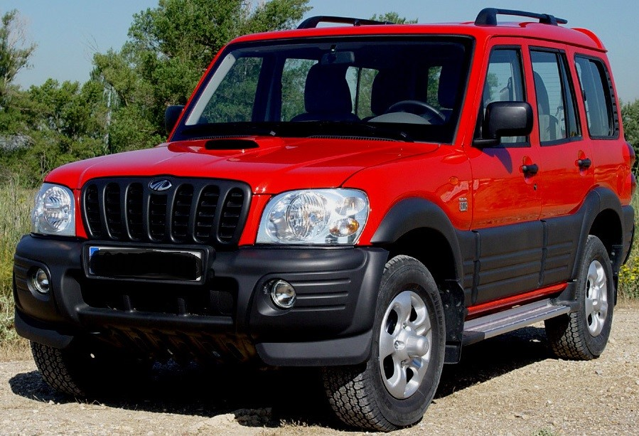 #RwOT MAKING YOUR DRIVING A VERY COMFORTABLE EXPERIENCE Mahindra Scorpio has been among the most trustworthy models with excellent features, enough leg space & luggage space in back.