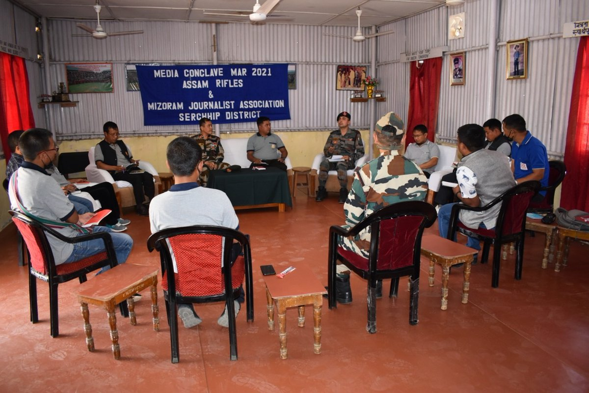 #AssamRifles organized Media Conclave at Serchhip (Mizoram) on 01 Mar to foster greater synergy between Media and the Force. Event was attended by Journalists and Office Bearers of the prominent news agencies affiliated to Mizoram Journalist Association. @PIBHomeAffairs @ANI