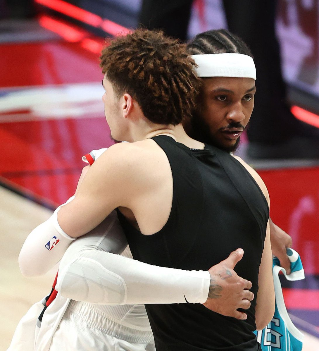 """""""LaMelo is going to be in the league for a long time, so you might as well use it. For me, it's an honor.""""  - Carmelo Anthony on people calling LaMelo Ball """"Melo""""...Respect. ✊✊  (via @highkin) https://t.co/9shsA8Iqpd"""