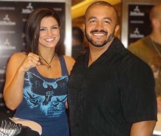 Back in 2007 with Gina Carano.  She's one of the nicest, most down to earth people I've had the pleasure of meeting.  Can't wait to see what's next. @ginacarano 🖤🤗💪🏼🤙🏼 #istandwithginacarano #peacefulwarrior #smile #GinaCarano #PositiveVibes #positivity