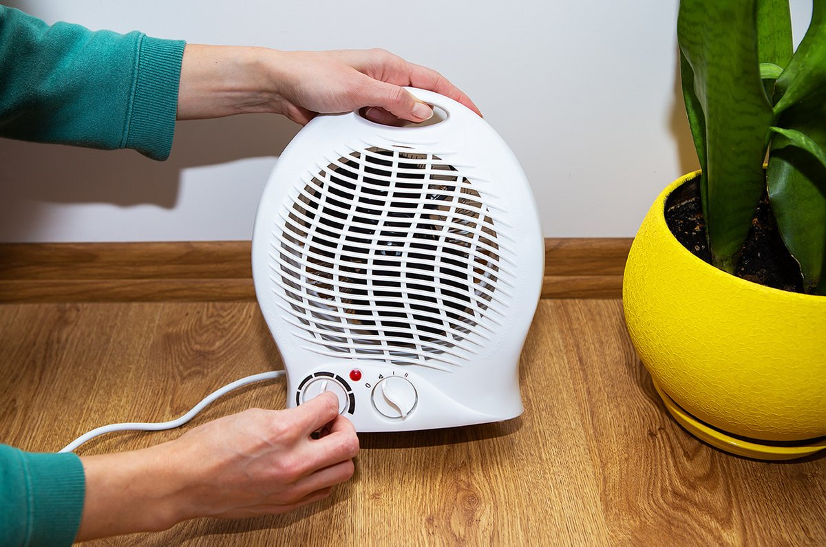 test Twitter Media - #SafetyTip Use extra caution when using space heaters. Place a space heater on a level, hard surface and keep anything flammable at least three feet away from the unit. Turn off space heaters before leaving the room or going to bed. https://t.co/RG6igeH4d3 https://t.co/H9Bi0GSA0O