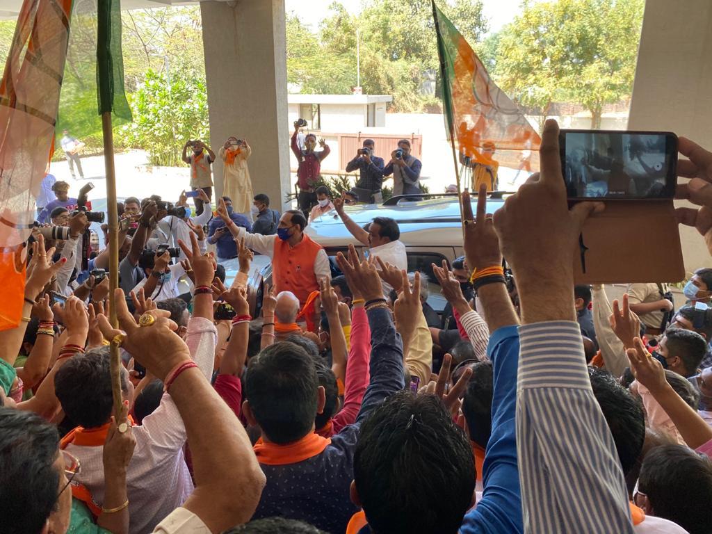Gujarat Taluka Panchayat polls: BJP's vote share 52.27%, seat share 70.23%