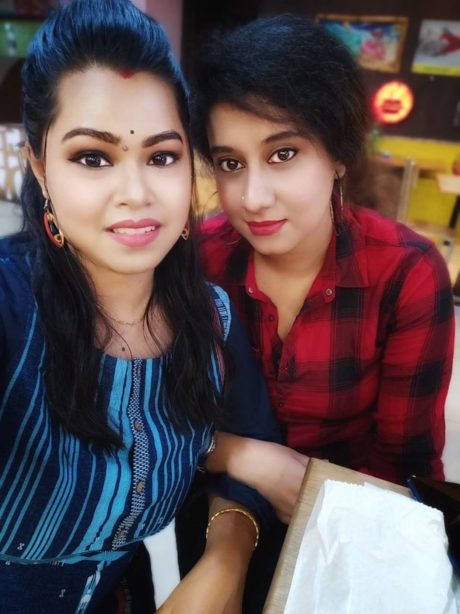 My lifeline ❤️my bestee #friends #dayout