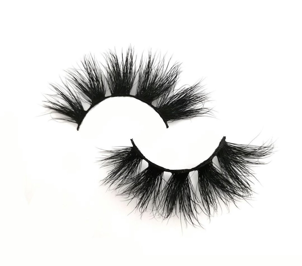 SHOP @SittingPrettty_ for affordable lashes 😍!  Our lashes can be reused up to 25+. They're lightweight & easy to apply. #support #sittingpretty #shop #black #beautiful #Supportblackownedbusinesses #BlackOwned #Entrepreneurship