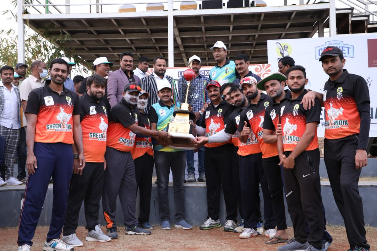 Here are the Few Glimpses from the  Friendly Cricket Match 🏏 played for Covid Front Line Warriors   Tollywood ❌ Doctors ❌ ICS   Special Guest : @MPsantoshtrs garu !   #GreenIndiaChallenge #Tollywood  @actor_Nikhil @sundeepkishan @MusicThaman @itsRajTarun