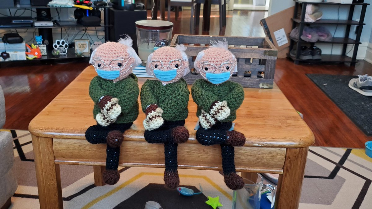 Neglecting sharing my latest finished projects here on Twitter 👀 Oop!   Made a mini Bernie army~  #amigurumi #Berniememes #BernieSanders