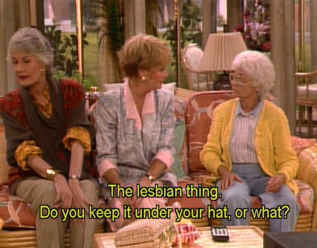 """Ver o episódio """"Isn't it romantic?"""" (1987) das #goldengirls em que surge uma amiga lésbica ainda é, passadas mais de 3 décadas, uma lufada de ar fresco. Não há nada de realmente ultrapassado na abordagem e no humor. É uma personagem real, humana, próxima e amiga"""