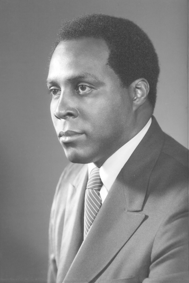 We mourn the loss of Vernon Jordan, a civil rights giant who tackled injustice where he saw it and helped so many others do the same. A graduate of @HowardU, a business icon, and a mentor to many. We pray for his loved ones & honor his legacy by carrying on his fight for justice.