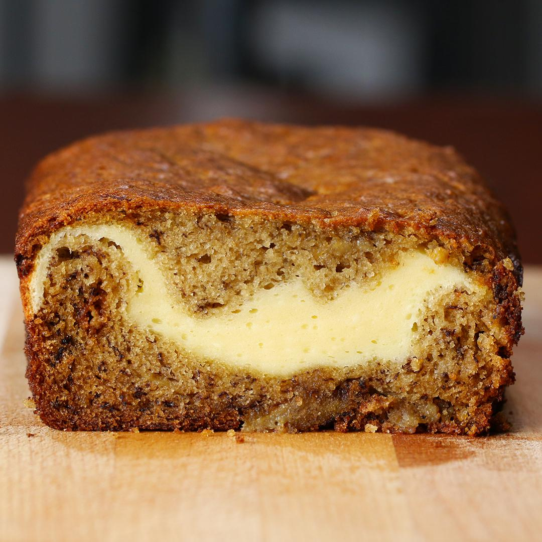 Cheesecake-Filled Banana Bread https://t.co/GWVBqLNBsk