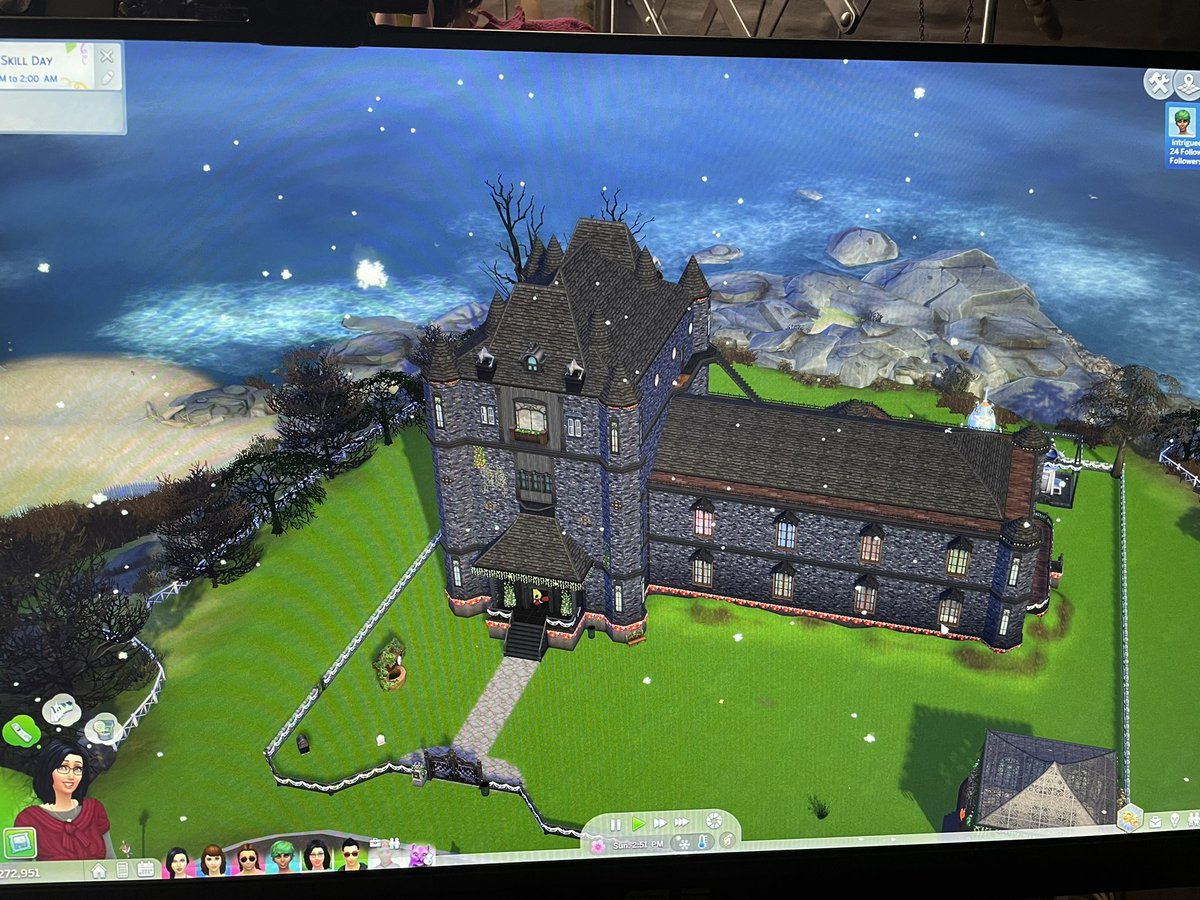 test Twitter Media - PC upgrade was totally painless.. so far everything works... So much faster! And silently!   And .. Not exactly why I upgraded but finally the Sims4 CMO mansion works smoothly. 😂 (it was only about 70% complete and already ran awfully) https://t.co/Zb9yKzvQn9