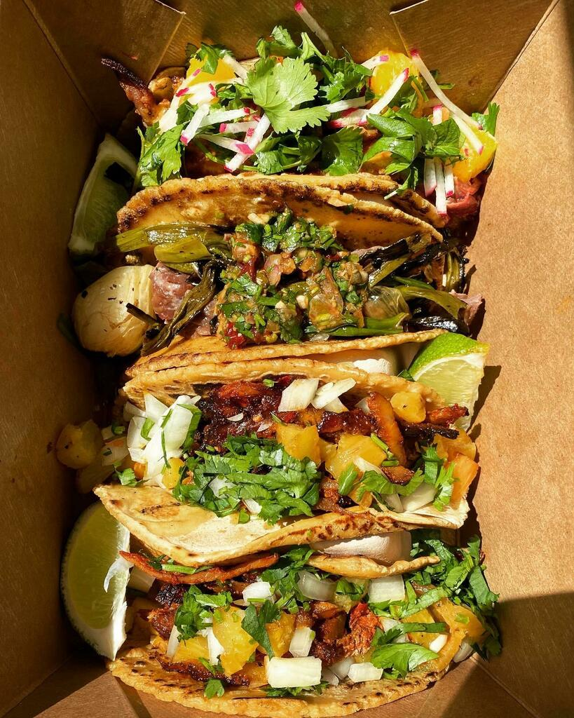 [I ate] Al Pastor Tacos #viral #trending #foodie #foodblogger #foodphotography #ff #tbt #ico