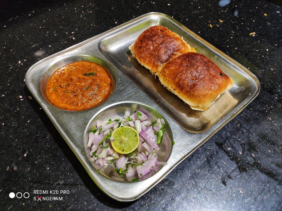 @realkhanakhazana Masala pavbhaji 😋  #foodlife #tasty #pavbhaji #masalapavbhaji #punjab #indian #indianfood #foodlover  #food  #khanakhazana  #realkhanakhazana #real  #yummy  #homemade  #homemadefood #wednesday  #special
