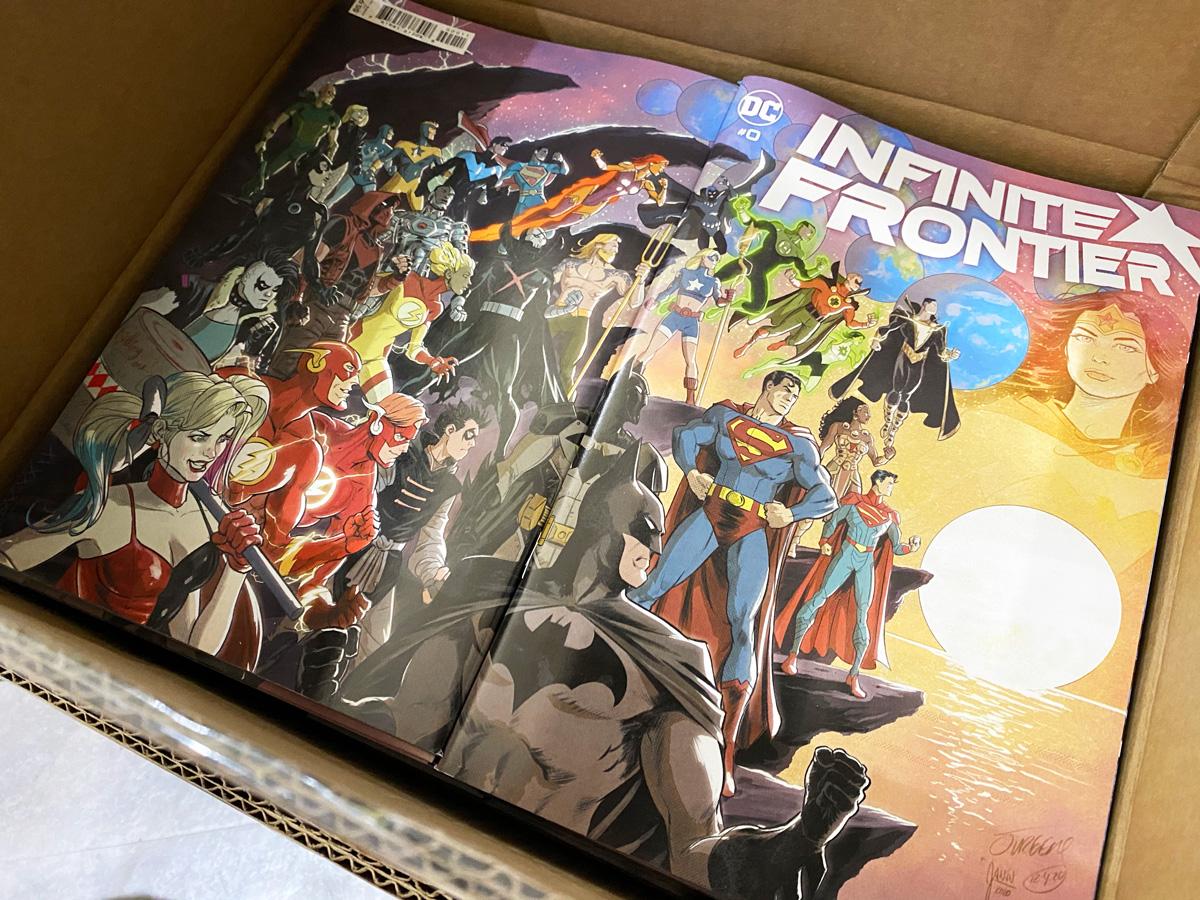 【新刊入荷予定のご案内(DC)】DCコミックス昨日3/2火曜に本国発売の新刊はあさって金曜21時に  更新、翌土曜から店頭発売予定です(荷物は到着済みで先ほど内容点検開始、ちなみにダイアモンド流通分貨物も今週は今のところ予定通り動いてます)。どうぞ宜しくお願いします!
