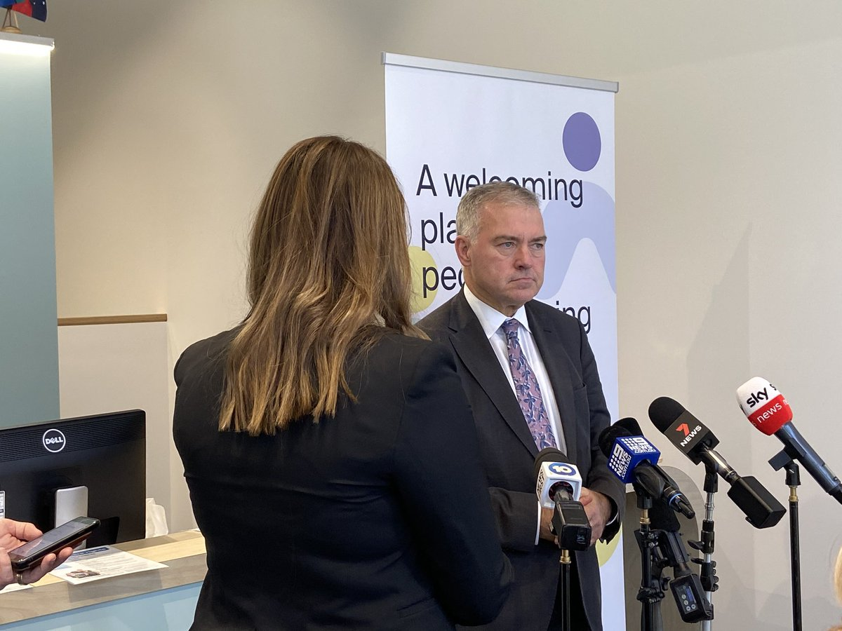 Today we launched Adelaide's $14m Urgent Mental Health Care Centre - a genuine alternative to a hospital ED & the first of its kind for ppl experiencing mental health crises.   This is a win for patients & a win for our busy hospitals and paramedics.   @GregHuntMP @neaminational https://t.co/wFVTsO9WyZ