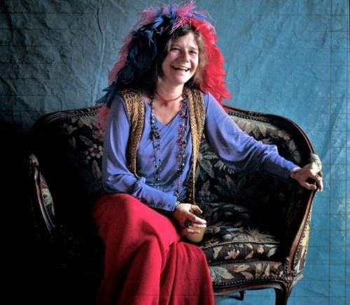 Replying to @crockpics: Janis Joplin at the photoshoot for her album Pearl.