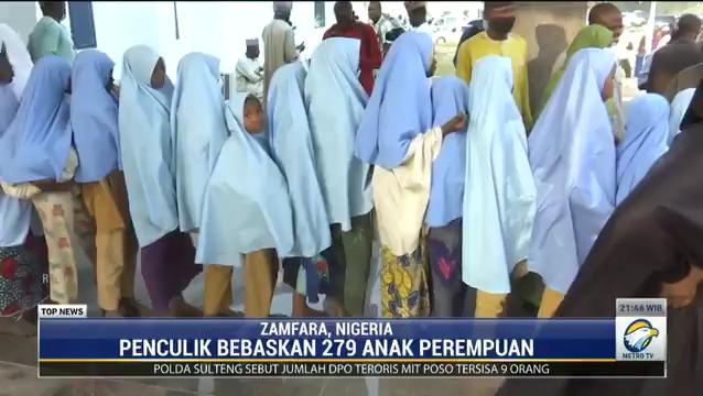 Sebanyak 279 siswi di Nigeria Utara yang sempat diculik pria bersenjata pada pekan lalu telah dibebaskan. Mereka kini berada di gedung pemerintahan negara bagian Gusau dalam kondisi sehat.  #knowledgetoelevate #topnewsmetrotv #penculikansiswa #penculikannigeria #gusau #nigeria