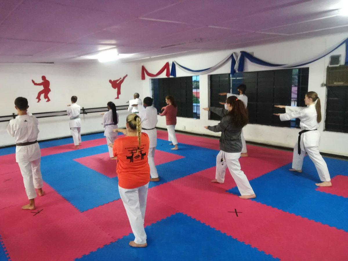 The senior class is learning Nipaipo kata :)  #BMAA #karate #kata #fun