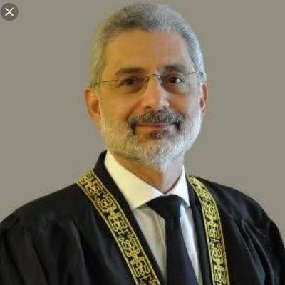We are all Justice Faiz Esa, we stand with justice qazi Faiz Esa 💪 #عمران_نیازی_گٹر_کا_کیڑا