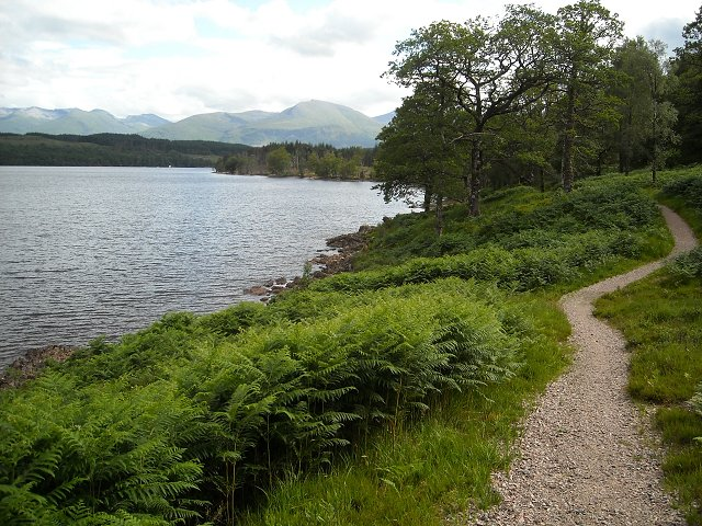 Great Glen Way  The Great Glen Way (Scottish Gaelic: Slighe a' Ghlinne Mhòir) is a long distance path in Scotland. ...    #bonplacat #goodplan #travel