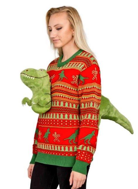 恐竜が貫通している?着る人を選ぶダサセーター!