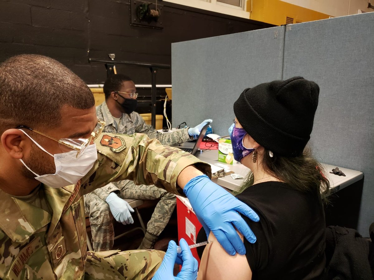 A major milestone in NY's war on #COVID19 happened Tuesday when the 20,000th person received the 💉 vaccination at the NY state & @FEMA-run community vaccination center at Brooklyn's Medgar Evers College. #InThisTogether