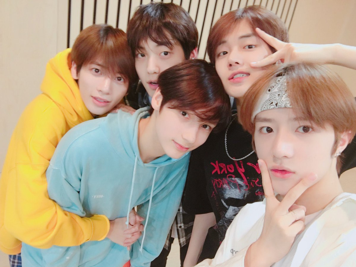 chubs, u know what u're going to do  2 YEARS WITH TXT #2MagicalYearsWithTXT #소중한_봄의_추억_데뷔_2주년@TXT_members @TXT_bighit