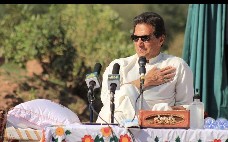 There are many snakes around you Khan Sab. Recognise. We stand with you always! https://t.co/M99pfOzR2q