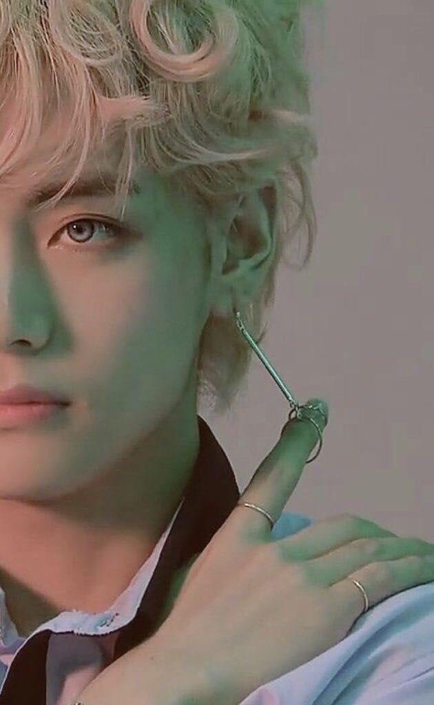 А ты чего такой красивый!? 🥰 #Tae #Taehyung #KimTaehyung #V #bts #army #Тэ #Тэхён #КимТэхён #Ви #бтс #арми