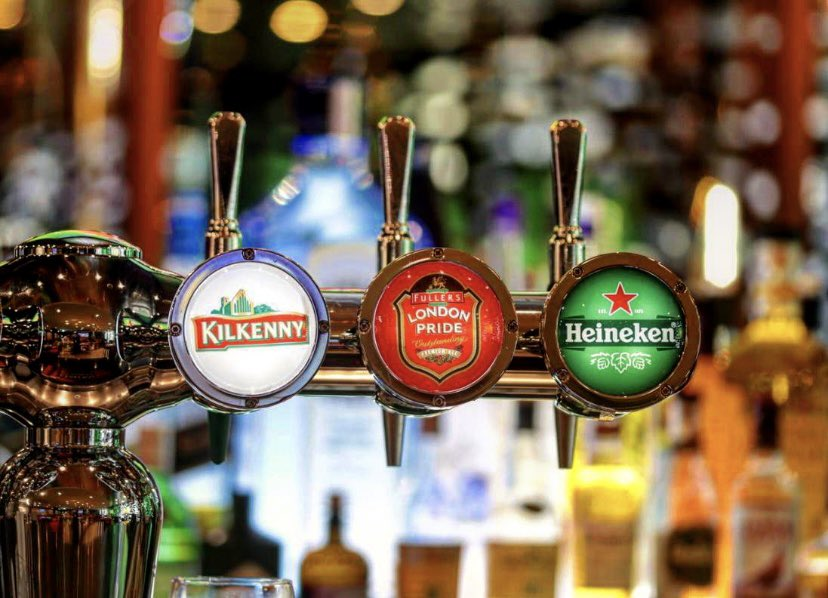 Let's get hoppy at #Moodz 🍻 30% off on selected beverages daily from 4:00 pm - 7:00 pm.  #AlAinRotana #Moodz #SportsBar #Pub #Drinks #LiveScreening #InAlAin #InAbuDhabi #RotanaHotels