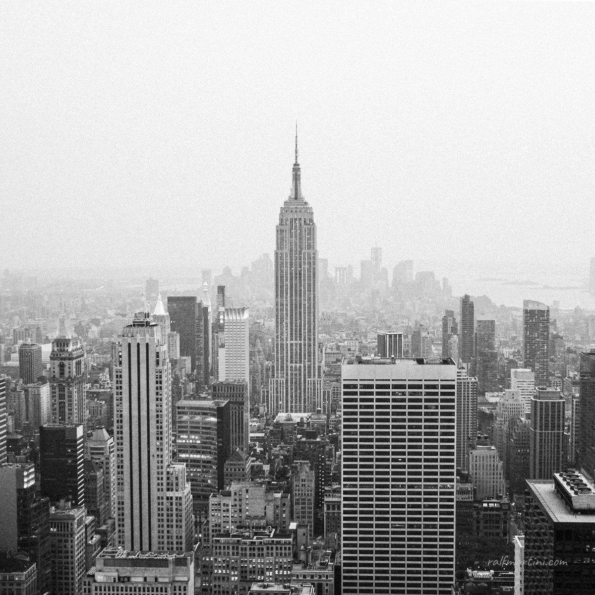 an NYC classic  (#nyc #newyork #newyorkcity #empirestate #empirestatebuilding #cityscape #landmark #blackandwhitephotography #blackandwhite #bnwphotography #travelphotography #travel #architecture #usa)