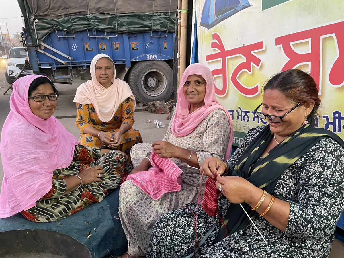 What I saw today at Singhu? Punjabi women have brought knitting needles to Singhu. And they are.....