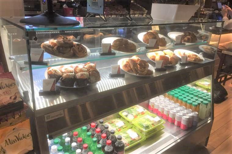 The Italian Kitchen By Wolfgang Puck - NOW OPEN - Dallas FW Airport.  #oscartek #Display #pastry #displaycase #Sandwich #sweet #dessert #wolfgang #designer #food #Dallas