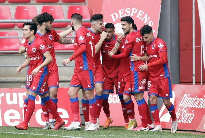El Numancia celebra uno de los goles al Vetusta (Foto: CDN).