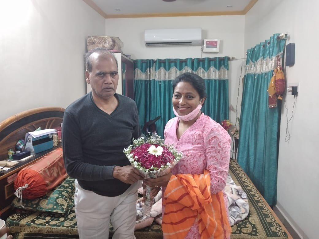 भाजपा के पुराने वरिष्ठ कार्यकर्ता ,पूर्व राष्ट्रीय उपाध्यक्ष अनुसूचित जाति मोर्चा , आदरणीय दिवाकर सेठ जी के राजाजीपुरम स्थित उनके घर पर जाना हुआ । उनसे मिलकर पुराने दिनो की याद ताज़ा हो गयी ।उनके अच्छे स्वास्थ्य की कामना की । उनके पुत्र प्रशांत सेठ जी से भी मिलना हुआ ।