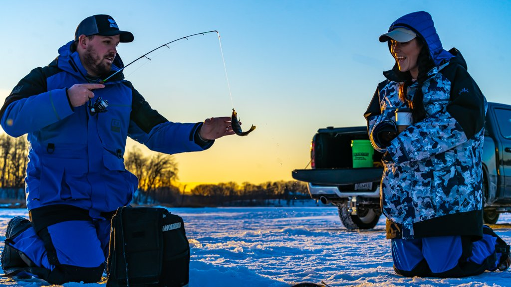 Tomorrow at 7 PM EST, catch a new full episode of #CountryOutdoorsAdventures at  as they tackle some #icefishing in #Minnesota with some fun outdoor personalities. They'll be joined by Andrew Zimmern, Steve Pennaz and Jordan Davis. #fish #CountryMusic 🎸🐟