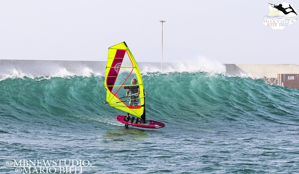 #onde #CaboVerde #Boavista #SalRei #windsurf #Bigwave #surf #wave #photo #pic  #photographer #landscape #photography #photographer #photooftheday #prosurfer  #sea #seaphoto #foil #foiltable #windfoil  #americancup #shore #sport  #extremesport #travel #mare
