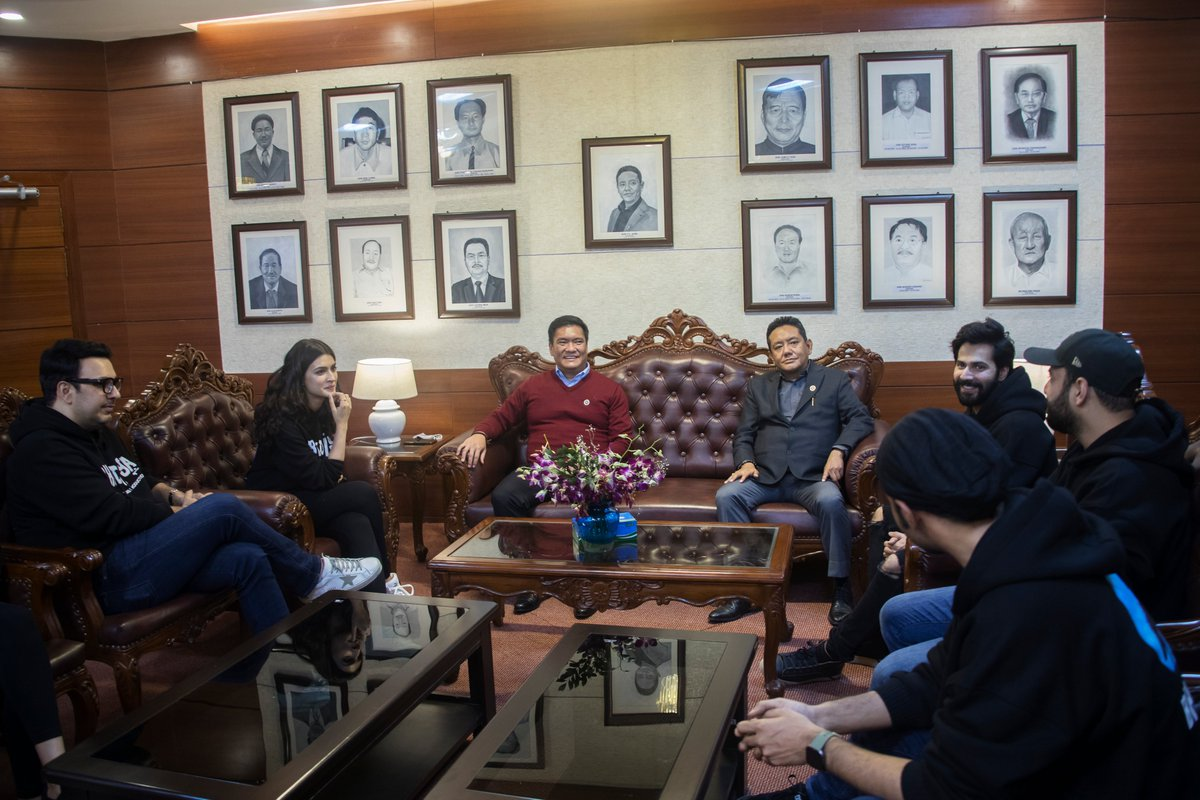 Pleased to meet Bollywood Star Shri @Varun_dvn Ji & @kritisanon Ji and their team during their call on. They are in Arunachal to shoot for the movie #BHEDIYA. Happy to know they are enjoying their time here and are keen on promoting #Arunachal as popular film destination.