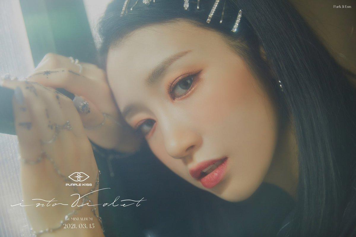 [#퍼플키스]  1ST MINI ALBUM [INTO VIOLET]  🔹 CONCEPT PHOTO 🔹 🔹 PARK JI EUN 🔹  2021.03.15 6PM RELEASE✔  #PURPLE_KISS #박지은  #Park_Ji_Eun #INTO_VIOLET