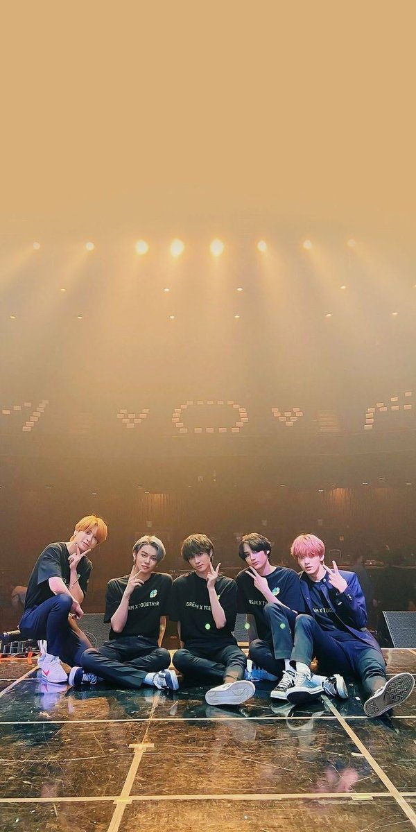 Happy 2nd Anniversary 🦊🐰🐻🐿️🐧 please stay with Moa!   One Dream together 🤟🏻 🦊🐰🐻🐿️🐧  #투모로우바이투게더 #TOMORROW_X_TOGETHER  #스트레이키즈