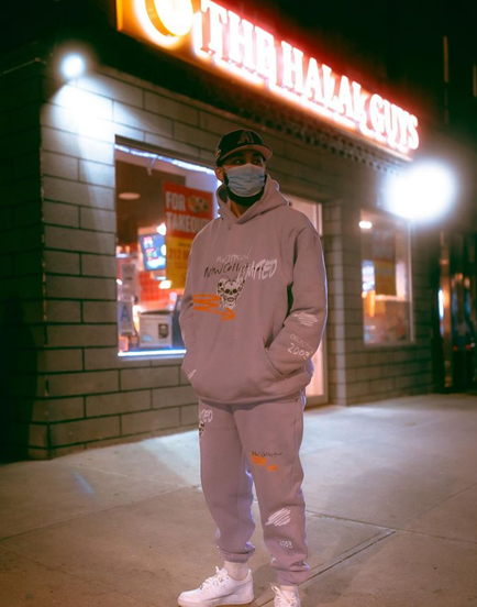 Bringing you the best in American Halal and pandemic fashion  👌   📸: @visuals.bydior  #TheHalalGuys #WeAreDifferent #BeDifferent #AmericanHalalFood #AmericanHalal #PandemicFashion #Fashion #Style